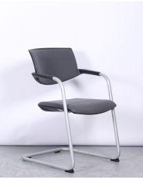 König & Neurath vergaderstoel, slede model, grijs gestoffeerd