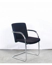Lande Cole Modus XL vergaderstoel, slede model, zwart gestoffeerd