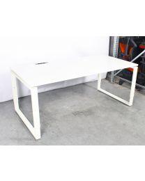 RING-poot bureau, 180 x 90 cm, wit, met Bachmann stroommodule (3x 220v)