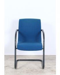 Ahrend 210 vergaderstoel, slede model, blauw, gestoffeerd, zwart frame