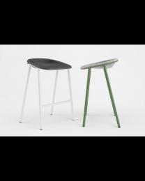 De Vorm LJ4 PET felt counter stool