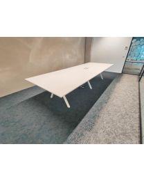 Vepa VPAX vergadertafel, 2-delig, 380x140 cm, voorzien van elektrificatie